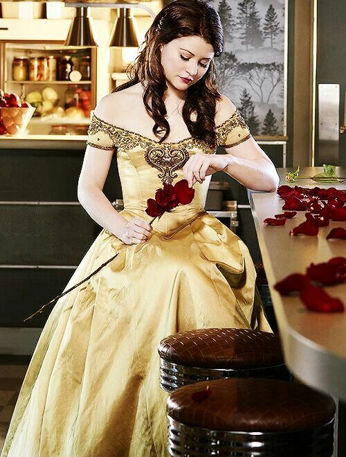 Belle from Once Upon A Time. | Once upon a time, Emilie de ...Once Upon A Time Ruby And Belle