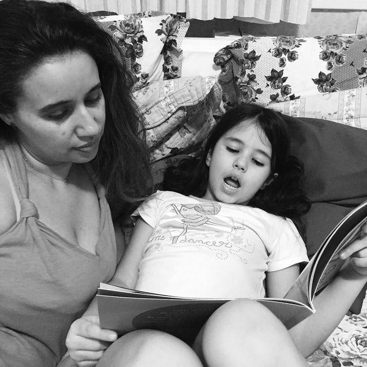 Historinha pra dormir!  boa noite!  #sleeptime #bedtime #moms #booklover #motherhood