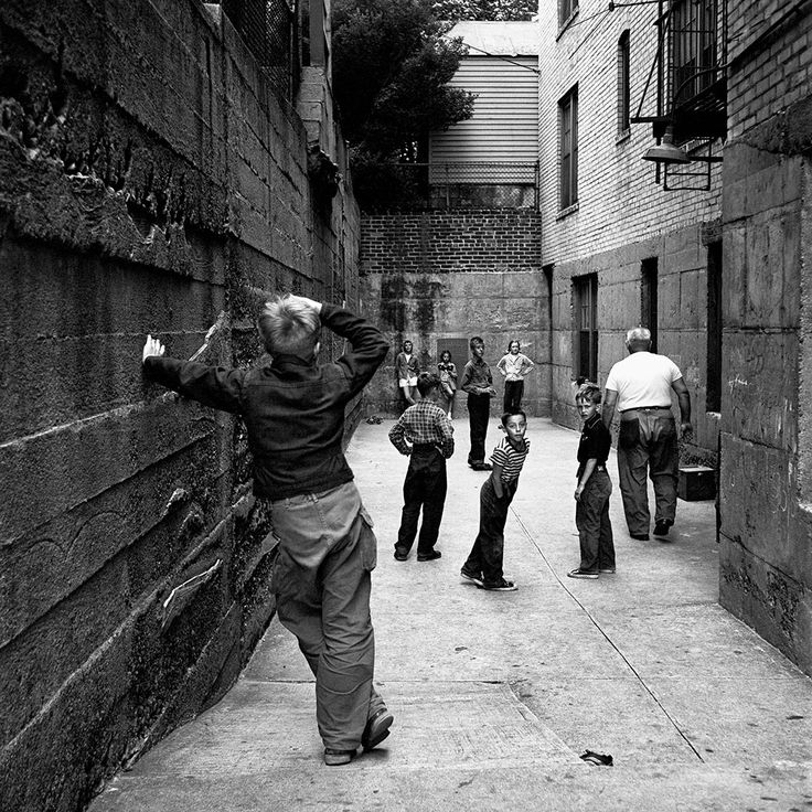 August 12, 1954. New York, NY | Vivian Maier Photographer