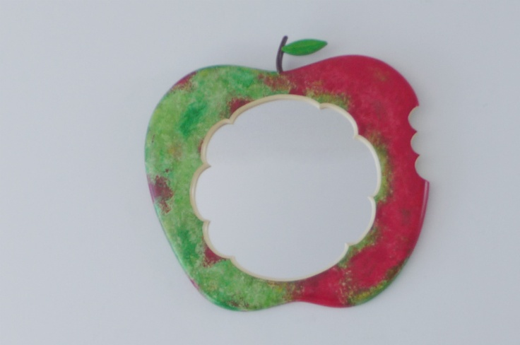 A Tasty Apple Mirror for those who like things a little funky...