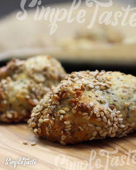 Low Carb Rezept für gebackene Quarkbällchen mit Chia-Samen. Wenig Kohlenhydrate und einfach zum Nachkochen. Super für Diät/zum Abnehmen.