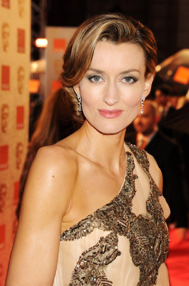 Natascha McElhone - the cheek bones and heavy eyelids are so like mum's!
