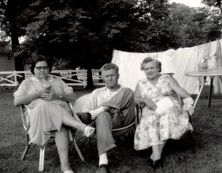 Graceland -  August 9, 1957 Gladys and Vernon Presley with actor Nick Adams' mother, Catherine Kutz Adamshock.