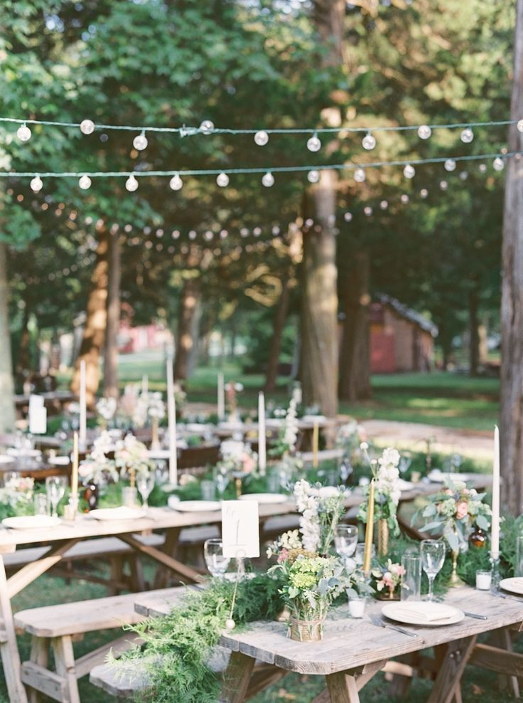 simple outdoor wedding ideas for summer%0A outdoor reception setup   Photography  Julie Paisley