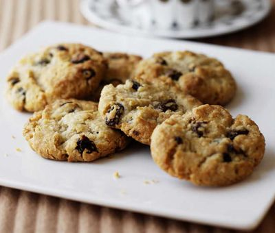 Oatmeal and Raisin Cookies - We love these chewy, oaty cookies and one is never enough! You can make it too! Click for the recipe »