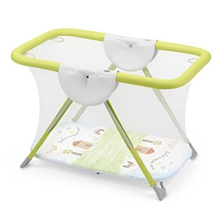 Parque infantil de diseño de color verde para bebé de Brevettato