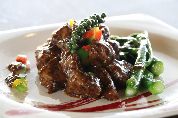 July/August Promotion at inAzia: Chinese delicacies such as Szechuan seafood soup and sweet horseradish prawn salad.