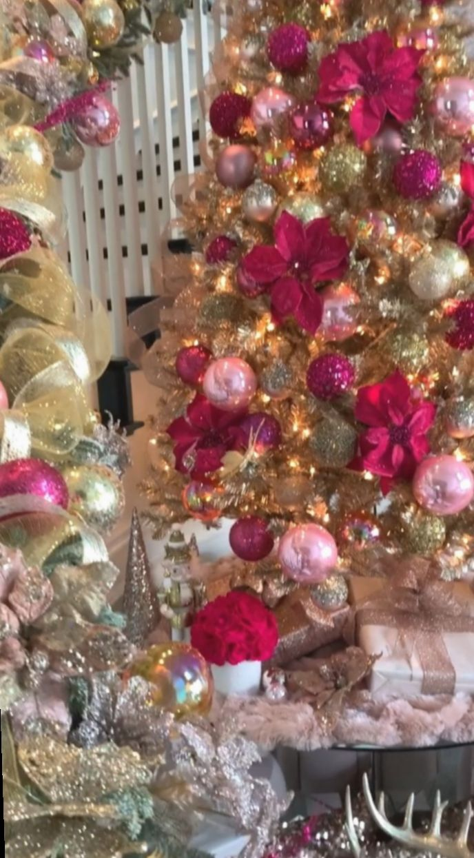 Christmas Home Videos Pink Everythingwhite Hollyjolly Merrychristmas Gold Christmas Tree Rose Gold Christmas Pink Christmas Decorations