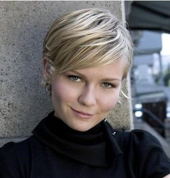 hairy.Hair Colors, Kirsten Dunst, Round Face, Shorts Haircuts, Hair Cut, Hair Style, Red Highlights, Shorts Cut, Shorts Hairstyles