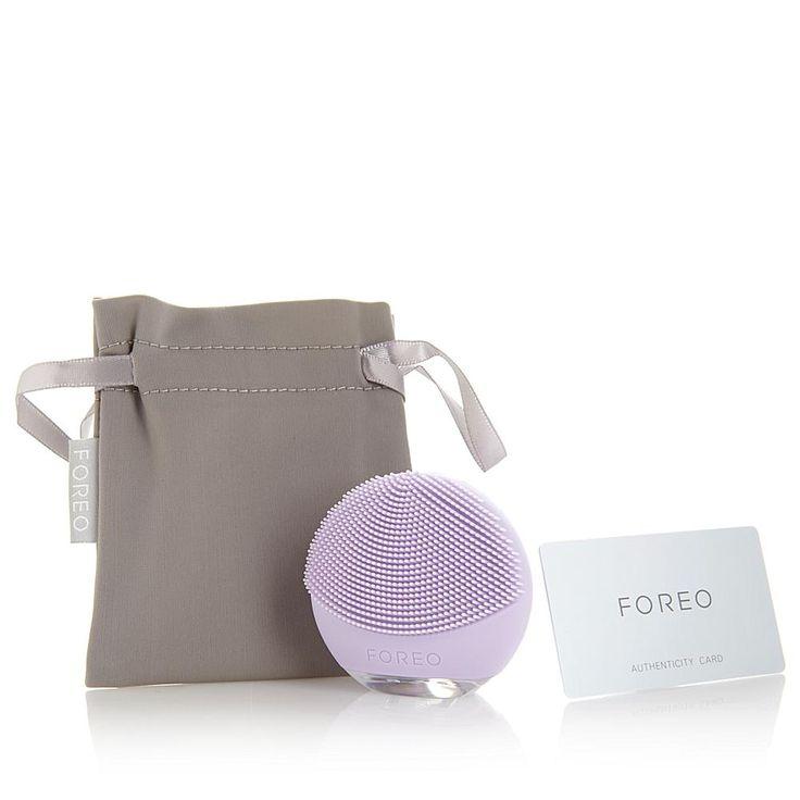 FOREO LUNA™ go Cleansing Brush for Sensitive Skin