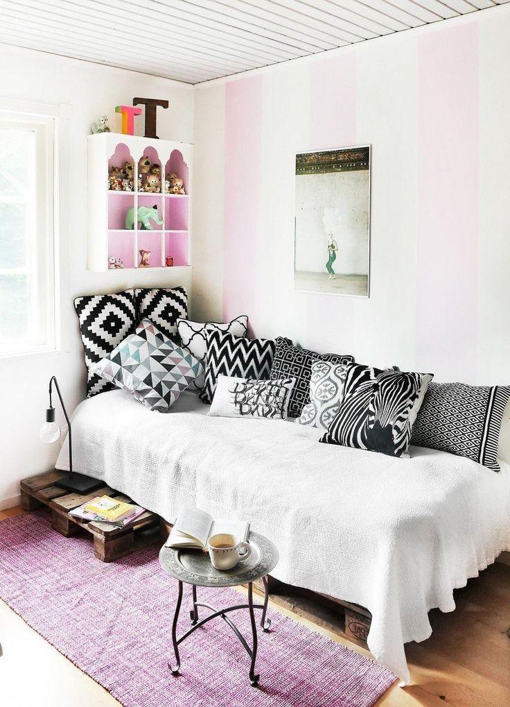 Best 25 bedroom wooden floor ideas on pinterest floors - Pink and white striped wallpaper bedroom ...