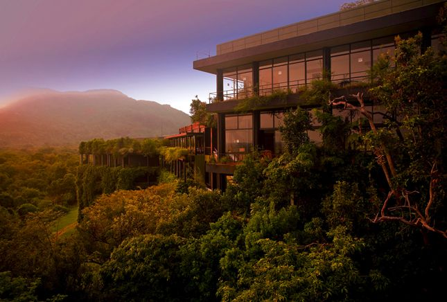 7 Luxe Green Hotels: Heritance Kandalama