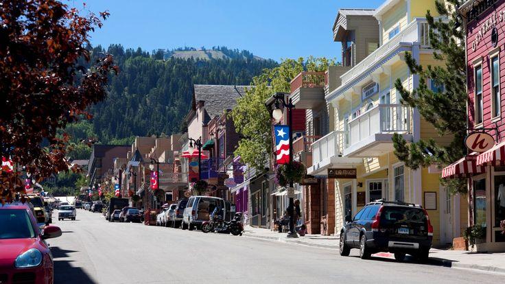 The St. Regis Deer Valley - Park City Streetscape