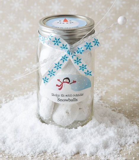What  a fun way to package snowball cookies for the holidays! Would make a great Christmas gift for friends, neighbors, teachers or co-workers. Just use Avery Round Labels (22818) for the lid and Oval Labels (22804) for the jar to re-create this look. Personalize the free printables, print, peel and stick, then a a festive ribbon and you're done.
