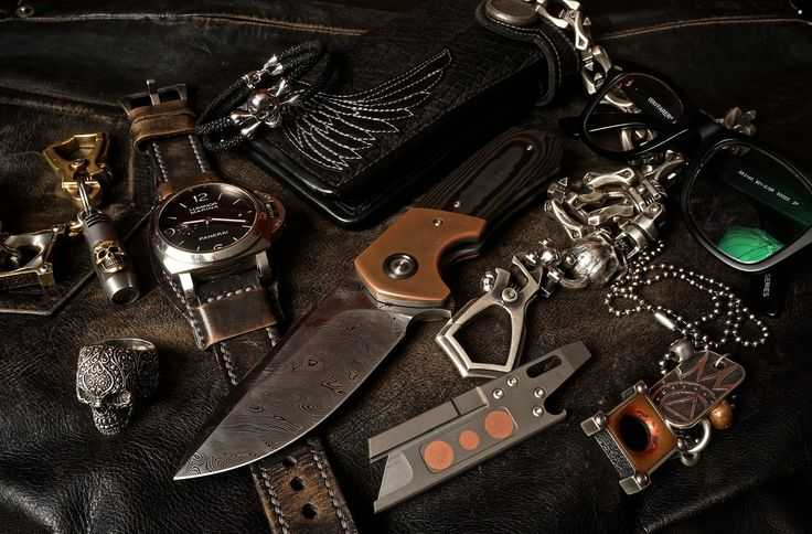 WR Bladeworks Damasteel Typhoon Flipper Kevin King Hippo Wallet Steel Flame Wallet Chain Steel Flame .45 Copper Killbox Pendant Steel Flame Bronze Keychain with .45 Killbox and Skull Flashlight Panerai 312 on a Leatherworks Bund Strap Sting HD Crossbones Bracelet Todd Rexford Custom RUT pocket tool Matt Wayfarer Prescription Glasses Sugar Skull Ring [[MORE]]  A little something I carry every day as,  Jeweler/Machinist owner of SNMetalworks