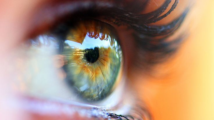 Rheumatoid arthritis can cause eye issues, such as dry eyes and scleritis. Find out which are ra symptoms are most common and how to manage these and other complications on EverydayHealth.com.