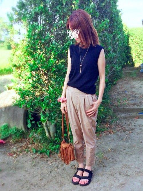 帰省中〜✨✨✨ 田舎は最高〜 何もなくて 星が綺麗! しまむらズボンは、履きやすい〜。