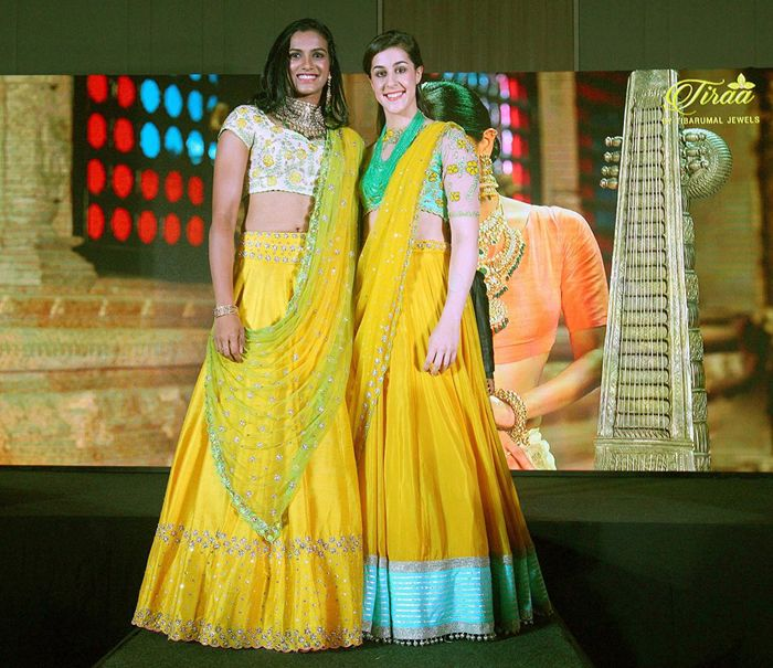 International badminton stars walked the ramp in their desi avatars at the opening ceremony of the 2017 Premier Badminton League (PBL) #desiavatar #desilook #badminton #gorgeous #rampwalk #fashionista #PBL #sports #playersturnmodels #players #league #photooftheday #inspiration #outfit #leagueoflegends #active #fit P V Sindhu Carolina Marin