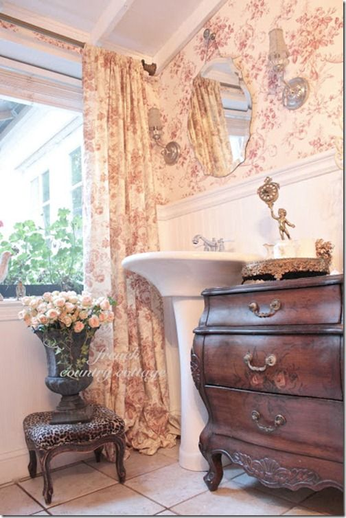 toile bathroom french-country-cottage
