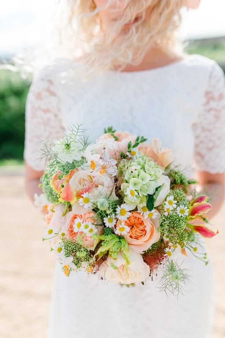#brautstrauß #bouquet Eine Boho Hochzeit mit Kupfer und Koralle | Hochzeitsblog - The Little Wedding Corner