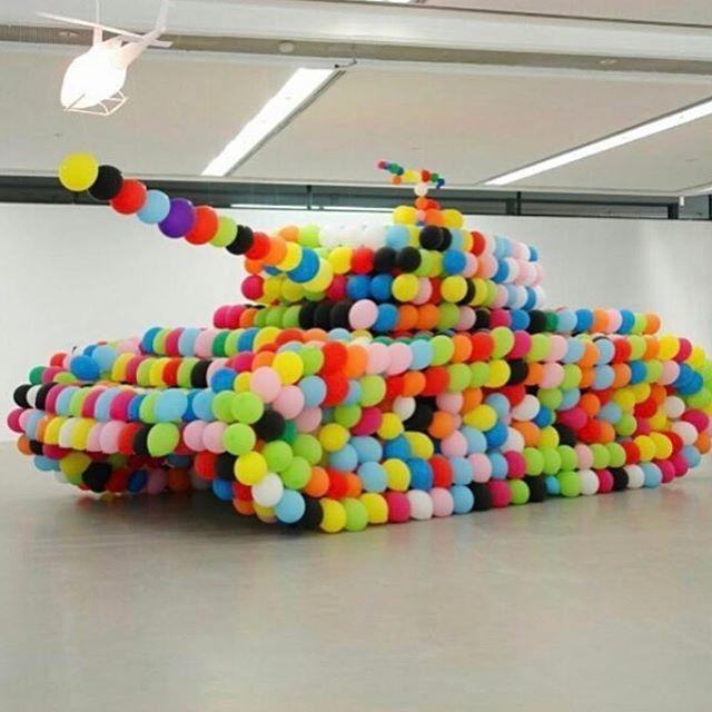 Ballon crazy 💙🌈🎈#thewayatankshouldbe #ballooncrazy #balloonartist #make… – VirtuDiaries