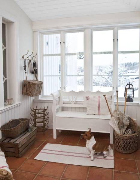 Esta fabulosa casa,a pesar de su aspecto tradicional , es un edificio de nueva construcción. El  arquitecto  sueco  ALF OLSEN  la...