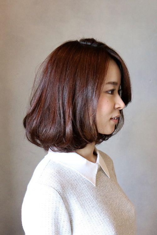 カッパー系のつやつやカラー。前髪長めで大人っぽく前髪が長いと色々な表情ができていつでも新鮮です。