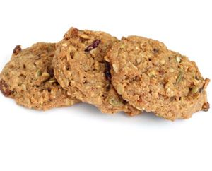 If 2013 has seen you take the low-carb route towards the body of your dreams then you will no doubt have struggled with a few cravings along the way. But these protein cookies are healthy, natural and delicious - a healthy sweet treat. Ingredients 1 cup almond butter 1/2 cup light brown sugar, plus 2 tbsp 1/4 cup honey 3 eggs 1 tsp vanilla 1 cup rolled oats 1/2 cup coconut flour 1/2 cup almond meal 1/2 cup flax meal 1 tsp baking soda 1/2 tsp baking soda 1/2 tsp salt 1 cup dark chocolate…