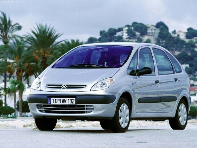 25 best ideas about citroen xsara picasso on pinterest citroen picasso picasso citroen and xsara. Black Bedroom Furniture Sets. Home Design Ideas