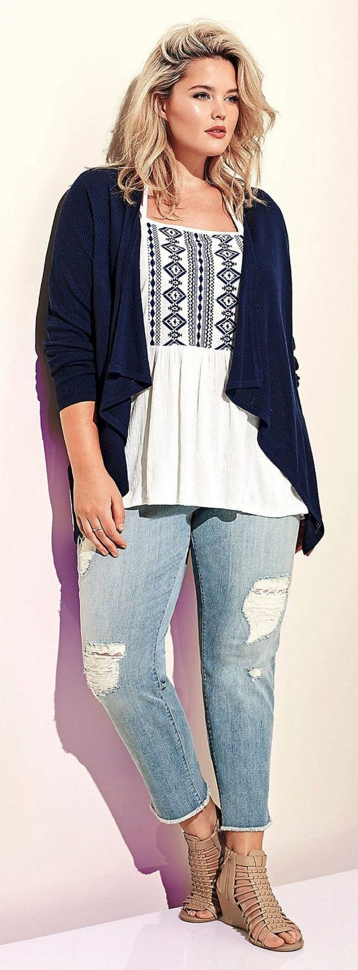Lovely 75+ Charming Torrid Plus Size Women's Fashion Outfits Summer 2017 Collections https://www.tukuoke.com/75-charming-torrid-plus-size-womens-fashion-outfits-summer-2017-collections-3441