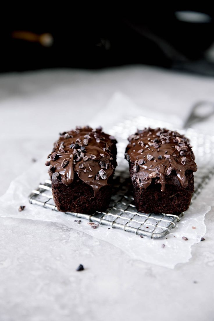Mini chocolate zucchini breads. Because a quarter of the size is twice the fun!