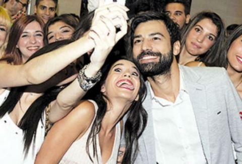 Αυτό είναι το νέο ζευγάρι Ελλήνων ηθοποιών - Ερωτεύτηκαν στα γυρίσματα του Μπρούσκο
