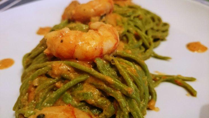 Spaghetti verdi alla chitarra con crema di gamberi