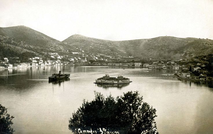 The island of #Ithaca, early 20th century. / Καρτ-ποστάλ της #Ιθάκης στις αρχές του 20ού αιώνα.