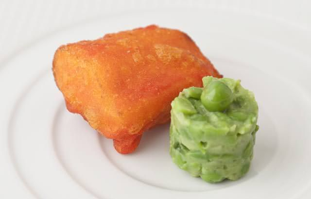 Amritsari cod with garlic and green pea chutney