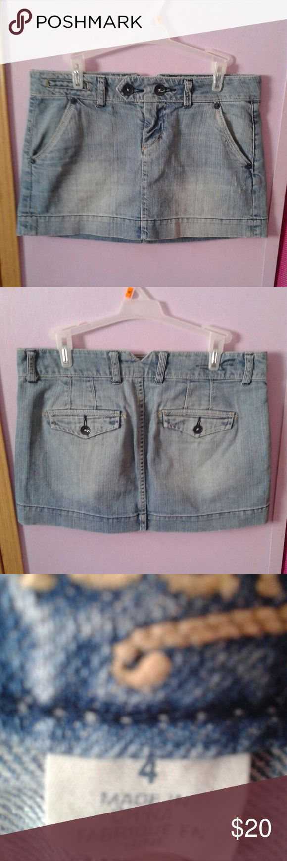American Eagle Outfitters Denim Mini Skirt Denim mini skirt from American Eagle Outfitters. Size 6. No flaws American Eagle Outfitters Skirts Mini