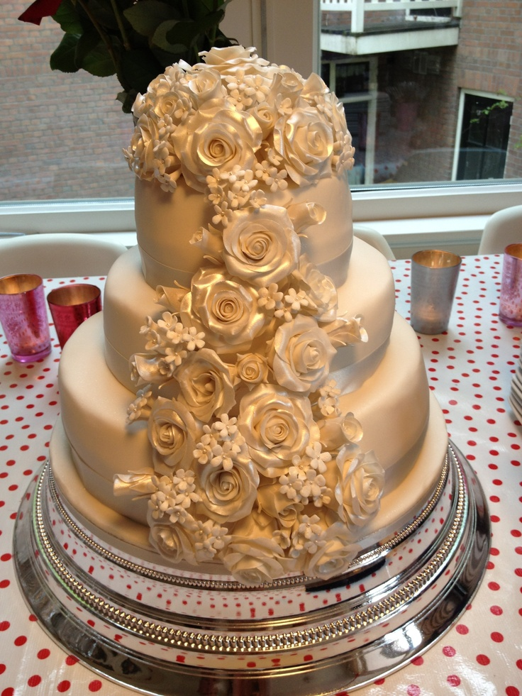 jackie brown wedding cakes 83 best chocolate and champagne wedding colors images on 16561