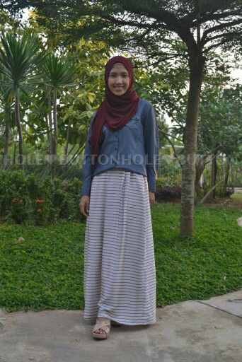 Ghaziyah Stripe Skirt White Available at www.button-hole.net Instagram @buttonhole_ Satin full lining