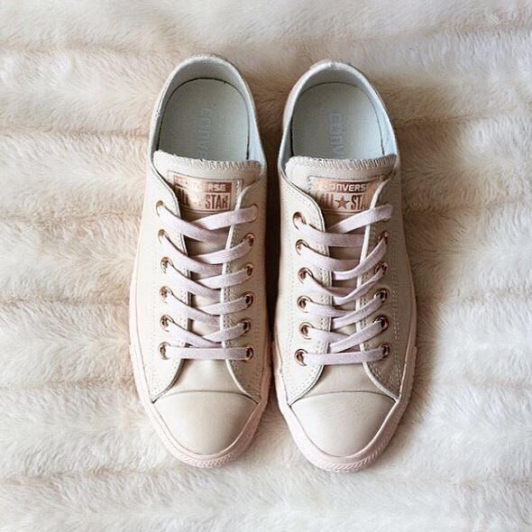 RG:📷 @littlefirsthome feat our #exclusive @converse All Star Low Leather in Pastel Rose Tan Rose Gold. #Shop straight from our bio. 👆 #converse #regram #officeloves