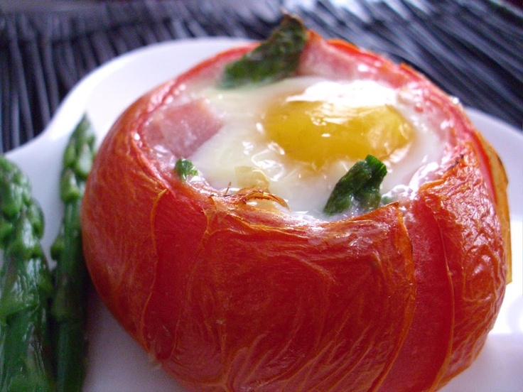 Recipe: Baked Eggs, Ham & Asparagus in Tomato Cups | Poor Girl Eats Well — How to eat ridiculously well on a minuscule budget.