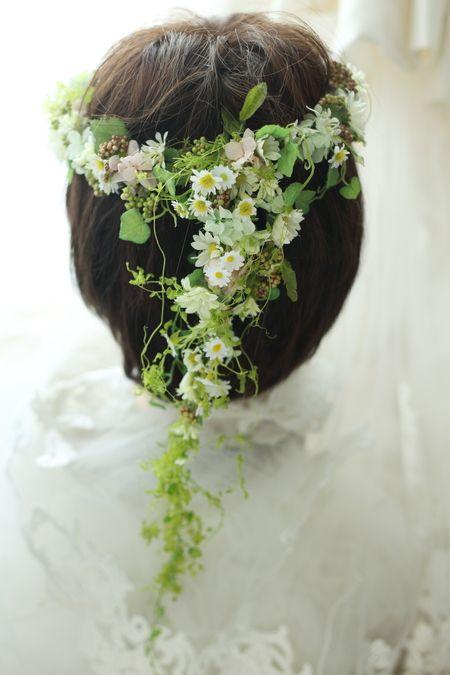 花冠 小さな花と実で  : 一会 ウエディングの花