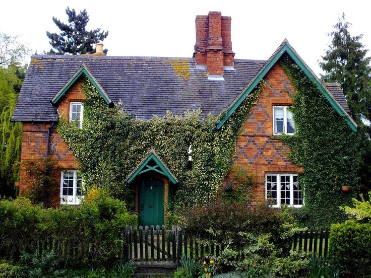 17 migliori idee su case inglesi su pinterest stile for Case modulari in stile bungalow