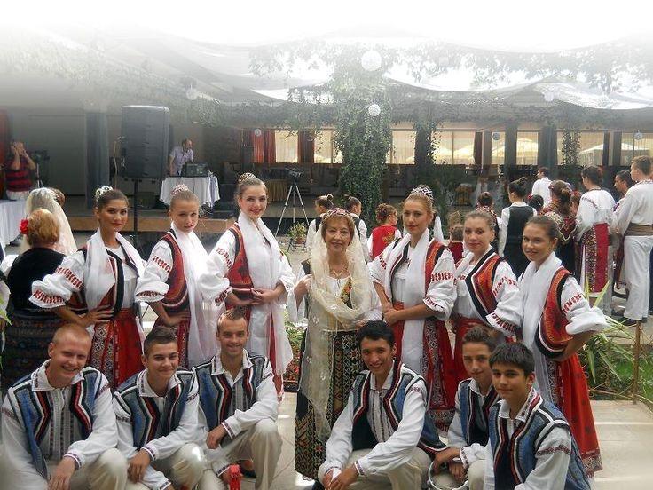 romanian girls romanians traditional costume nationale romanesti 1