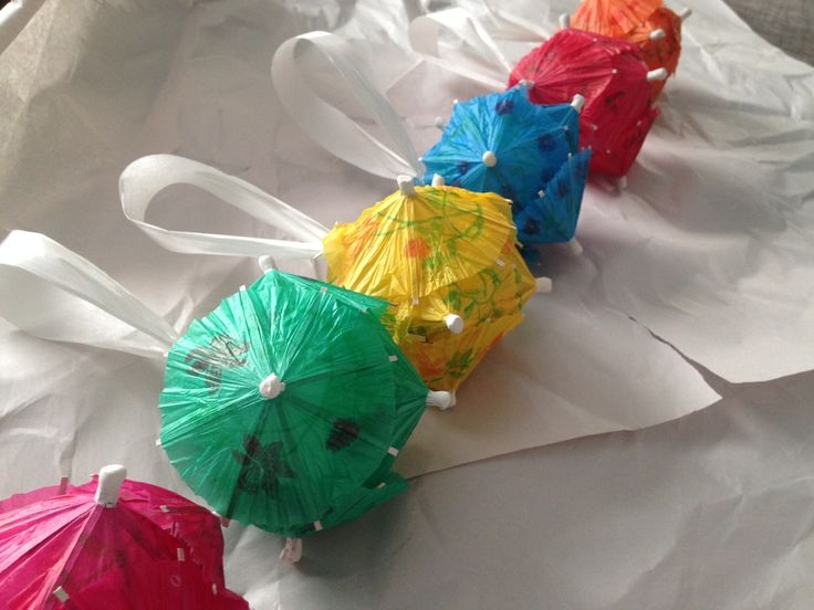 Cute Crafts Made With Cocktail Umbrellas