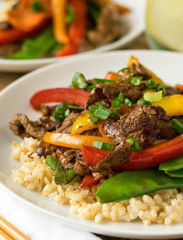 1. Pineapple Beef Stir-Fry #healthy #dinner #recipes http://greatist.com/eat/healthy-dinner-recipes-for-two?utm_source=pinterest&utm_medium=social&utm_campaign=onsiteshare Whether you're wooing a S.O., sharing with a roomie, or want leftovers for lunch (rather than a week), these easy meals are just what you need.