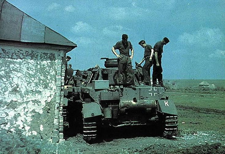 german world war 2 colour rear of panzer iv tank in russia 1943 coloured war pinterest panzer iv russia and history