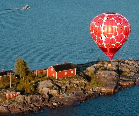 Marimekko Unikko print vuotta kuvaesitys, kuumailmapallo