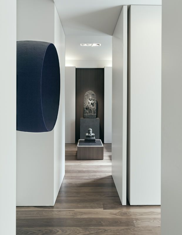 3. shadow gap floor to walls...no skirting! minus interieurarchitecten / huis eskenazi, london