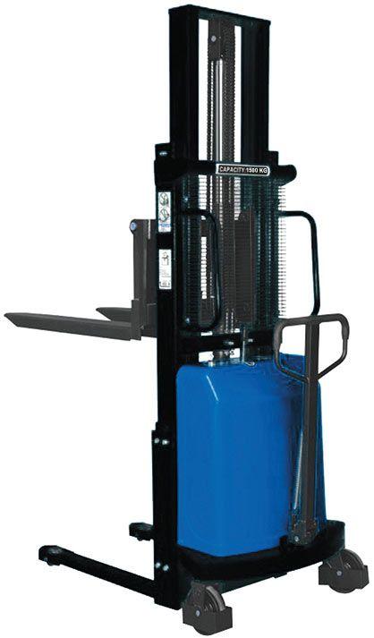 Yarı akülü istif makinası 1,5 ton yük taşıma 3 metre kaldırma kapasiteli istifleme makinası. Atlas ATFL 15B30Y model. #atlas #lifter #istifmakinasi #makina #machine  http://www.ozkardeslermakina.com/urun/yari-akulu-istif-makinasi-atlas-atfl15b30y/