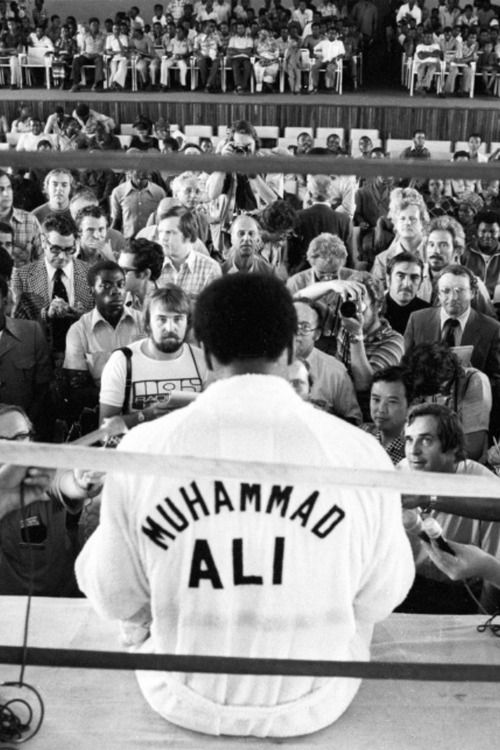 He had the world in his hands, Muhammed Ali  ZsaZsa Bellagio – Like No Other: In the Men's Room